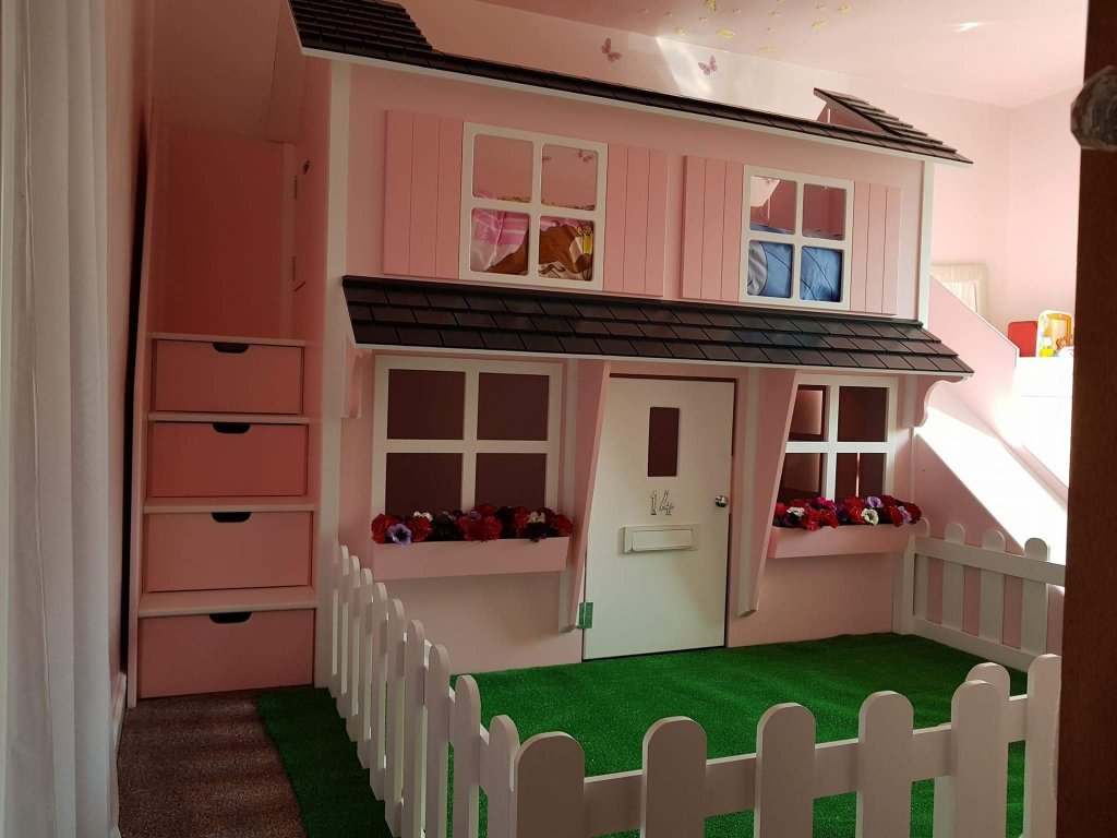 Playhouse Bed With Garden and Slide.png