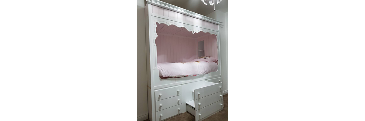 Enclosed Cubicle Bed